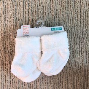 🌟5 for $10. NWT: 4 pack Carter's white baby socks